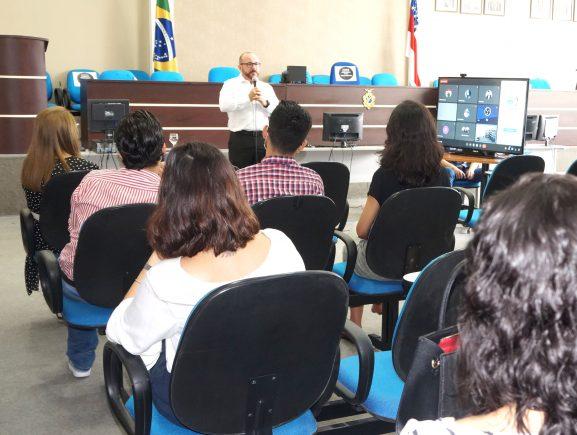 Saúde emocional foi tema de nova palestra para os residentes jurídicos e estagiários da PGE-AM